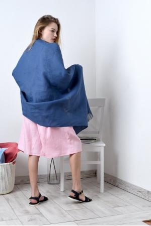 Палантин - широкий платок из льна