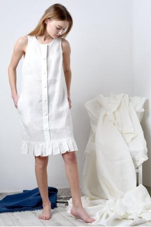 Платье будуарное из  нежного льна