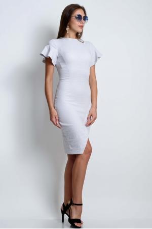Силуэтное платье с рукавами воланами