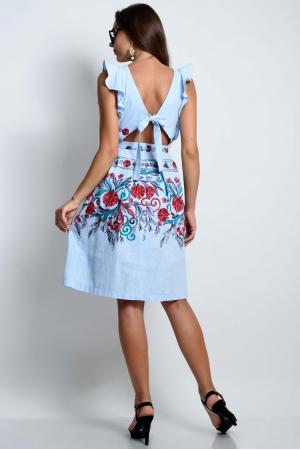 Нарядное голубое платье с вышивкой