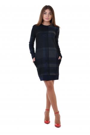 Платье прямое с длинным рукавом