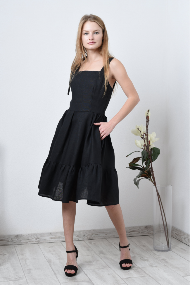 Платье льняное на лямках