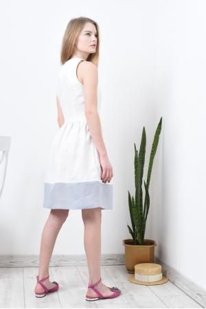 Платье льняное белое с пышной юбкой